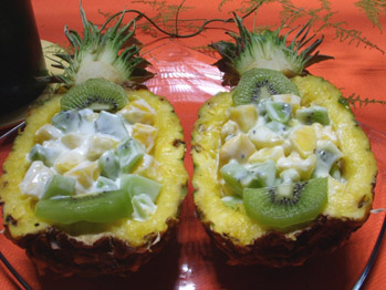 Ananas farci aux fruits
